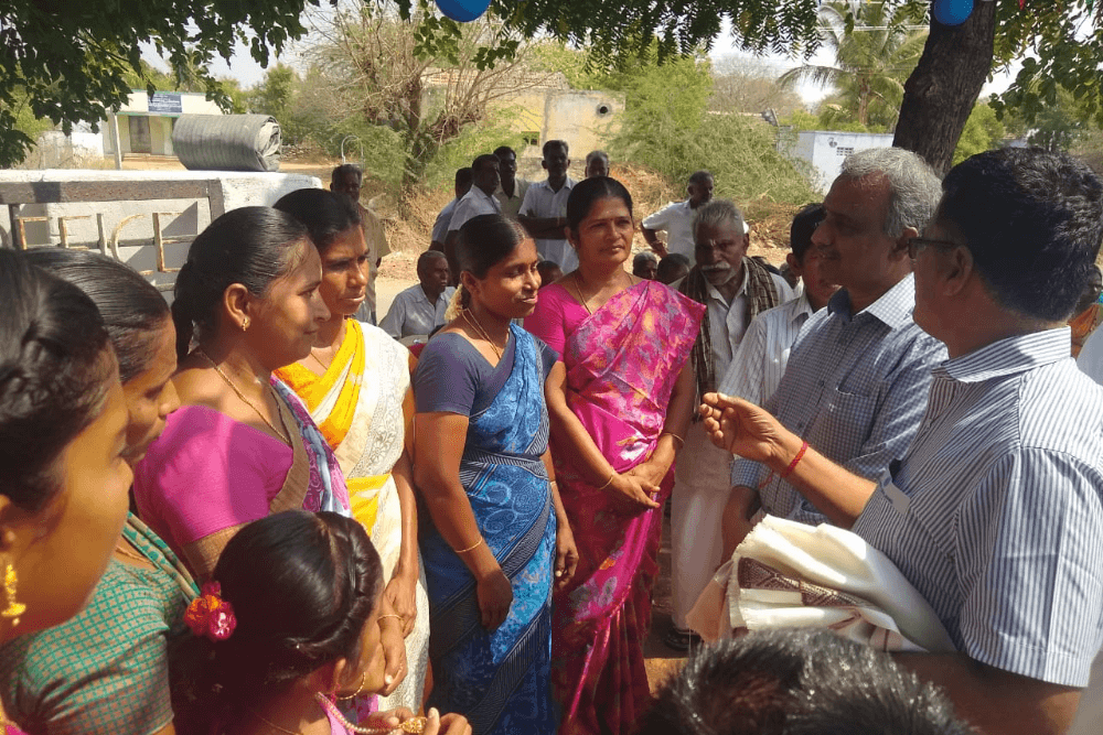 discussion-with-village-women