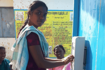 girl-using-water-atm