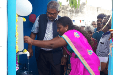lady-inaugurating-water-atm