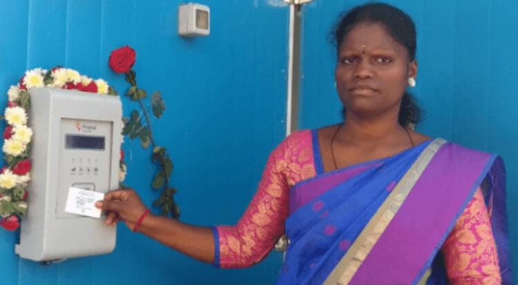 woman-holding-sarvajal-card